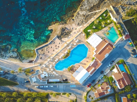 Aerial view of the hotel's swimming pool.